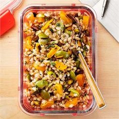 Farro Salad with Apricots and Olives // This sturdy salad was designed to be made ahead of time. Apricot Recipes, Pistachio Recipes, Olive Recipes, Fall Recipes, Farro Salad, Vegetarian Recipes, Healthy Recipes, Grain Foods, Picnic Ideas