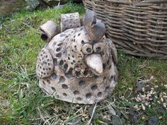Slepičí sněm Ceramic Animals, Clay Animals, Pottery Ideas, Birds, Shapes, Texture, Handmade, Color, Pottery