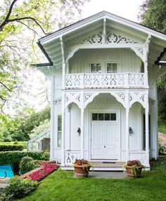creatively living in our cozy farmhouse.  furniture designer @whiteshantydesign, artist & mama. more inspo on the blog  snapchat: ovfarmhouse