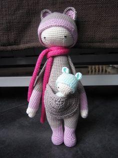 KIRA the kangaroo made by boutsdefils / crochet pattern by lalylala