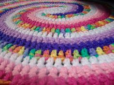 The Anatomy of a Spiral - how to create a multi-colored crochet spiral (some basic math involved)