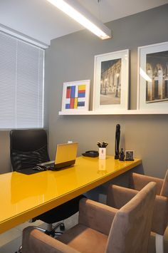 Business Office Decorating Ideas is enormously important for your home. Whether you choose the Business Office Decorating Ideas or Decorating Big Walls Living Room, you will create the best Small Office Design Workspaces for your own life. Small Office Design, Dental Office Design, Office Interior Design, Office Interiors, Office Table, Home Office Decor, Office Furniture, Home Decor, Office Desks