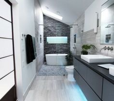 Une salle de bain sous pente, ou sous combles en 52 photos!