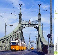 freedom-bridge-budapest-hungary-tram-12457672.jpg (1365×1300)