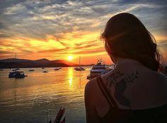 """Never waste any amount of time doing anything important when there is a sunset outside that you should be sitting under"" - C. Joybell C.  #canalnomade #sunset #sun #worldtravel #wonderlust #wonderful #travel #thailand #iphonephotography #asia #studionomade #filmmaking #gopro #gratidão #vidademochila #bluesky #tailandia #backpacking #blogmochilando #nomadesdigitais #mochilao #fnobre by canalnomade"