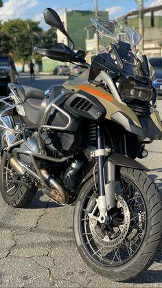 Moto Wallpapers, Dr 650, Ninja Motorcycle, 1200 Gs Adventure, Motos Bmw, Motorcycle Photography, Bike Photo, Speed Bike, Funny Films