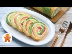 Chic Snack Roll for Festive Dinner – Dinner Recipes English Christmas Dinner, Vegetarian Christmas Dinner, Mini Stollen, Holiday Tables, Dinner Rolls, Antipasto, Sushi, Food To Make, Dinner Recipes