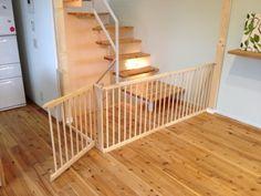 ベビーゲート ディアウォールで固定 Dog Crate Furniture, Pvc Projects, Baby Gates, Kidsroom, Home Organization, Crates, Diy And Crafts, Stairs, House