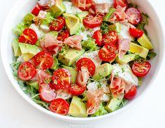 Sałatka z awokado Caprese Salad, Pasta Salad, Ciabatta, Mozzarella, Salad Recipes, Potato Salad, Salads, Dinner, Vegetables