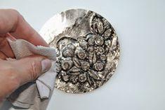Восхищаюсь творчеством бразильских мастеров, работающих в декоративной технике latonagem.   Латонагем - это техника ру...