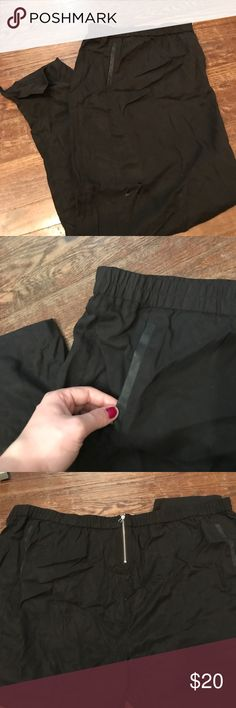 Yours Clothing black joggers, US size 28/30 New with tags. These are super cute joggers with an elasticized waist band. They also have a zip and button closure. The front and back pockets are lined with faux leather (and they are still sewn shut, you can release the seam to make useable pockets). This is UK size 30/32 which is a US 28/30, please see the attached size chart. I'm motivated to sell, so please make me an offer if you're interested. Yours Clothing Pants