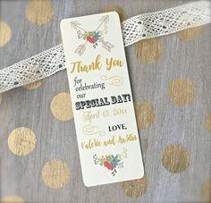 10 Wedding Favors Under $1 // Super Cheap Wedding Favor Ideas // Photo credit: PaperLovePrints