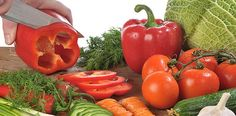 Is the raw vegan diet plan for you? Raw Vegan Diet Plan, Vegan Lifestyle, Healthy Recipes, Healthy Food, Helpful Hints, Smoothies, Vegetables, Tips, Healthy Foods