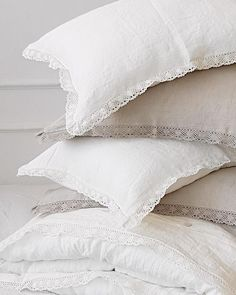 Linen lace pillowcase in natural flax grey or off-white linen - stonewashed linen pillow sham - standard Queen King body linen pillow covers Luxury Bedding Collections, Luxury Bedding Sets, Linen Pillows, Bed Pillows, Bed Linens, Pottery Barn Teen Bedding, Bed Linen Design, Simple Bed, Cool Beds