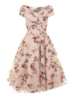 Collectif Vintage Dorothy Tulle Floral Swing Dress - Collectif Vintage from Collectif UK Mode Outfits, Dress Outfits, Fashion Outfits, Dress Fashion, Dress Clothes, Kpop Fashion, Lolita Fashion, Fashion Clothes, Fashion Boots