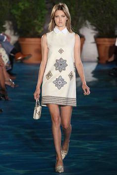 9/12/13: Lindsey Wixson puts some prep in her step, at Tory Burch Spring 2014. #LookOfTheDay