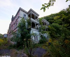 Hotel Chrysopras (D) August 2014 abandoned hotel in the former East Germany DDR urbex decay Photo by: Jascha Hoste
