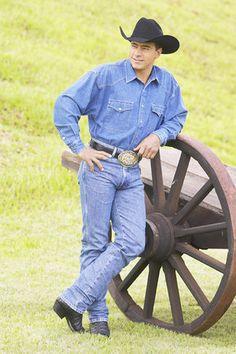 JW & LeAnn Hart   Bullriders ♡   Pinterest Professional Bull Riders Adriano Moraes
