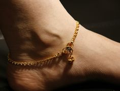 Exclusive designs of gold anklet ideas for trendy women Toe Ring Designs, Anklet Designs, Gold Anklet, Silver Anklets, Ethnic Jewelry, Fine Jewelry, Jewellery, Cute Anklets, Leg Chain