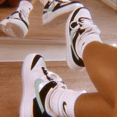 Sneaker Outfits, Converse Sneaker, Aesthetic Shoes, Aesthetic Clothes, Sneakers Mode, Sneakers Fashion, Nike Sneakers, Hype Shoes, Tumbrl Girls