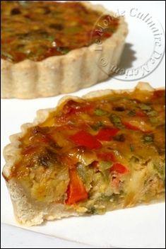 Salem alaykoum, bonjour a tous; Voici une quiche absolument délicieuse, dégustée tiède comme plat principal avec une bonne salade, c'est un bonheur pour les papilles. C'est une magnifique recette qui me vient de mon amie Kaouther , elle plaira aux petits...