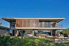 Majestic Residence in South Africa Pours the Exotic Landscape Inside…