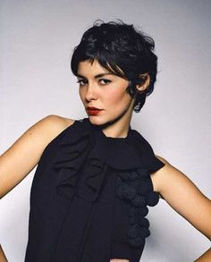 Most viewed - 023 - Audrey Tautou Gallery Pixie Hairstyles, Pixie Haircut, Pretty Hairstyles, Short Curly Hair, Short Hair Cuts, Curly Hair Styles, Pixie Cuts, Wavy Hair, Audrey Tautou