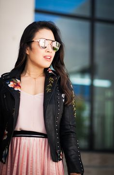 Dallas petite fashion blogger features one of this season's trend: the Embroidered Moto Jacket. And shares tips on styling it. Read more now!