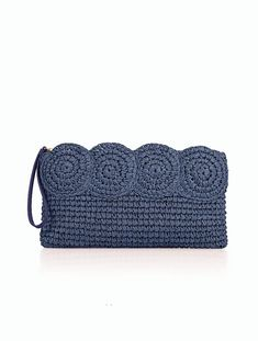Crochet Bags Ideas This navy straw clutch is a summer party essential. Crochet Clutch Bags, Crochet Pouch, Crochet Handbags, Crochet Purses, Knit Crochet, My Style Bags, Best Leather Wallet, Crochet Shell Stitch, Diy Couture