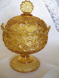 Indiana Glass gold pedestal bowl from Viejo Flea Market Decorating, Indiana Glass, Glass Company, Glass Ceramic, Milk Glass, Pedestal, Wicker, Cool Art, Amber