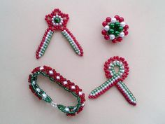 A költő minden tavasszal visszatér - Kokárda készítése lépésről-lépésre Beading, Beaded Bracelets, Diy, Beads, Bricolage, Pearl Bracelets, Do It Yourself, Pearls, Homemade