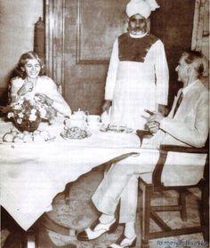 founder of pakistan quaid e azam muhammad ali jinnah with his sister fatima jinnah Pakistan Defence, Pakistan Zindabad, History Of Pakistan, Galaxy Pictures, Thing 1, Evolution Of Fashion, Muhammad Ali, Historical Pictures, Historical Clothing
