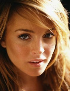 A reminder of how beautiful she was BEFORE. #Linsay Lohan