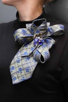 Ideas of old ties – Men's accessories Diy Kleidung Upcycling, Sewing Crafts, Sewing Projects, Sewing Hacks, Old Ties, Creation Couture, Diy Clothing, Sewing Clothes, Sewing Dolls