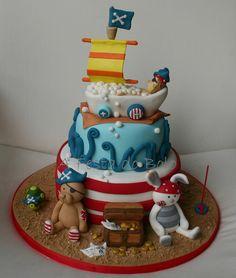 https://flic.kr/p/8qUAmz | O piratinha Salvador fez 1 aninho, e este foi o seu bolinho! Parabéns Salvador! (baseado num bolo original da cake designer Carina Costa do istofaz-se)
