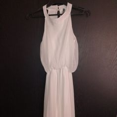 Marketplace for new and preloved fashion Save The Planet, Selling Online, Extra Money, Second Hand Clothes, White Dress, Unique, Stuff To Buy, Shopping, Dresses