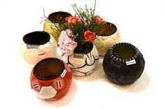 Blumenübertöpfe aus alten Fussbällen sieht man auch nicht alle Tage! Upcycling-Homedeko für Jungs ;-)
