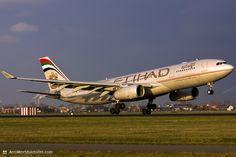 Etihad Airways Airbus A330-243