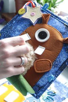 Diy Sensory Toys, Sensory Book, Polymer Clay Kawaii, Polymer Clay Animals, Diy Quiet Books, Felt Finger Puppets, Felt Monster, Softie Pattern, Space Toys