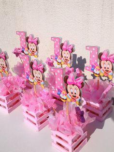 Baby shower centerpiece Minnie Mouse Birthday Decorations, Minnie Mouse Theme Party, Minnie Mouse Baby Shower, Mickey Mouse Clubhouse Birthday, Mickey Birthday, Mickey Party, Baby Girl Birthday, First Birthday Parties, 2nd Birthday