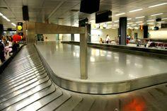 Un bambino di soli 5 mesi ha perso la vita dopo essere stato dimenticato dai suoi genitori sul nastro che trasportava i bagagli nell'aeroporto di Alicante.