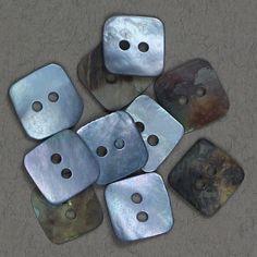 Perlemor firkantet blå 12x12mm - Perlemor - Knapper