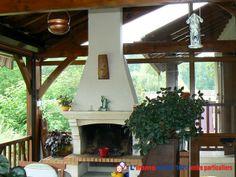 Villa en pierre entièrement rénovée sur beau terrain arboré. Dans le centre du village à proximité de la Drone. Très belles prestations. Volets roulants automatisés, rénovée, habitable tous de suite. Aucun travaux à prévoir. http://www.partenaire-europeen.fr/Annonces-Immobilieres/France/Aquitaine/Dordogne/Vente-Maison-Villa-F4-SAINT-AULAYE-815412 #maison #cheminee