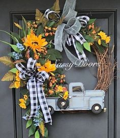 60 Cheerful Spring Wreath Ideas to Add a Flourishing Bloom To Your Home Decor - . : 60 Cheerful Spring Wreath Ideas to Add a Flourishing Bloom To Your Home Decor – Ethinify Wreath Crafts, Diy Wreath, Wreath Ideas, Tulle Wreath, Thanksgiving Wreaths, Holiday Wreaths, Summer Wreath, Wreath Fall, Spring Wreaths