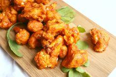Sweet and Spicy Buffalo Cauliflower Wings - Vegan Appetizers Cauliflower Buffalo Wings, Spicy Cauliflower, Cauliflower Recipes, Spicy Recipes, Whole Food Recipes, Vegetarian Recipes, Keto Recipes, Chicken Recipes, Potluck Recipes