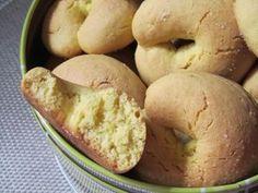 Portuguese Desserts, Portuguese Recipes, Portuguese Food, Baking Recipes, Cookie Recipes, Dessert Recipes, Biscotti Cookies, Cake Cookies, Portuguese Biscoitos Recipe