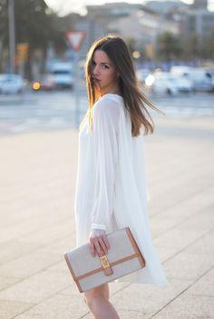 Zina, a fashion blogger based in Barcelona   her blog: http://fashionvibe-blog.blogspot.com/2012/03/white-me.html