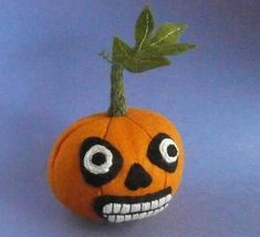 Skully pumpkin by  Ludi