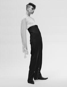 Ideas fashion editorial minimalist models for 2019 Fashion Poses, Fall Fashion Outfits, New Fashion, Trendy Fashion, Androgynous Models, Androgynous Fashion, Editorial Photography, Fashion Photography, Model Face