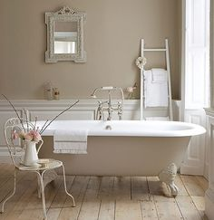 Here are my 9 dream bathroom decorating elements. In a perfect word, my dream bathroom would have every one of these! A chandelier, a clawfoot tub. Country Style Bathrooms, Feminine Bathroom, Interior, Bathroom Styling, Shabby Chic Bathroom, French Country Bathroom, Beige Bathroom, Bathroom Design, Beautiful Bathrooms
